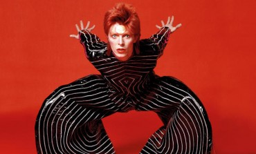 David Bowie's 'Blackstar' takes over Adele at UK No.1 for second week