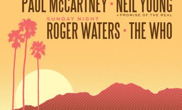 Sir Paul McCartney duets with Rihanna at Desert Trip festival