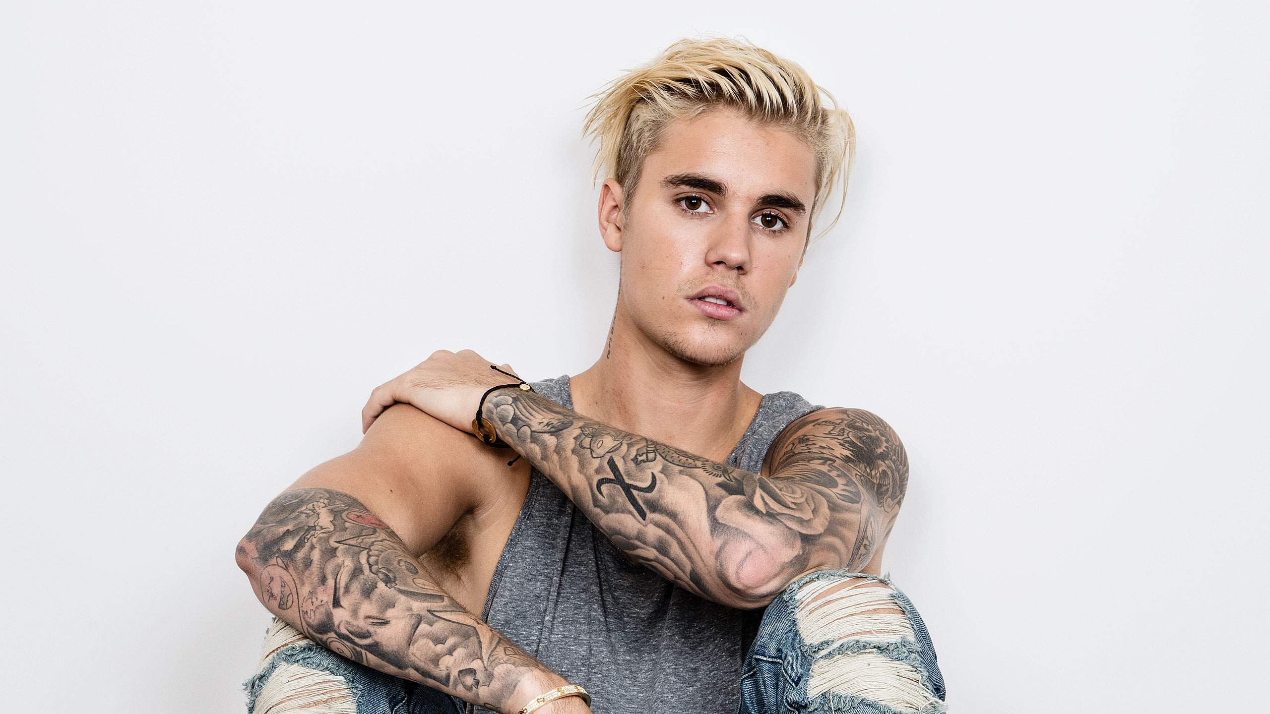Justin Bieber tells UK fans to 'shut up' and calls them 'obnoxious' during performances