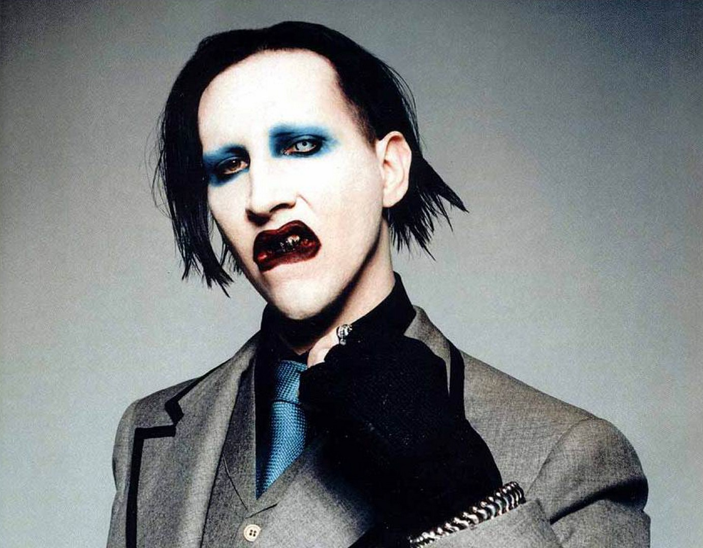 Marilyn Manson Cuts Concert Short After Bizarre Onstage Meltdown