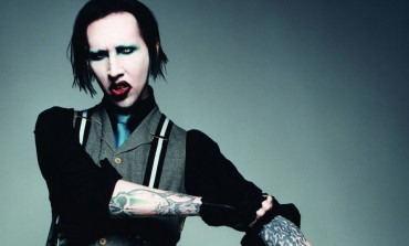 Marilyn Manson Forces Fan To Remove Avenge Sevenfold Shirt During Show