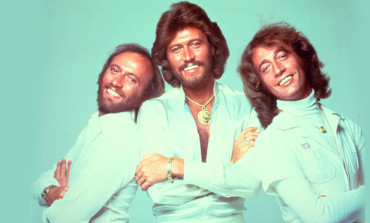 Bee Gees Star Barry Gibb Awarded Knighthood