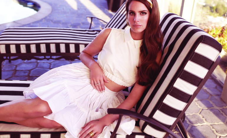 Lana Del Rey Revealed as New Headlining Act of This Year's Glastonbury