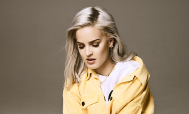 Anne-Marie Covers Harry Styles in the BCC Radio 1 Live Lounge