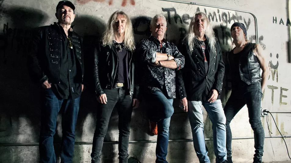 Saxon Covers The Beatles' 1966 Hit 'Paperback Writer'