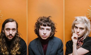 """Sunflower Bean Speak About Their New Single """"Baby Don't Cry"""" and Announce 2022 UK Tour"""